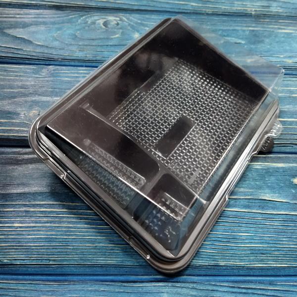Контейнер Sushi-Box 182х133х44 мм 3 секции чёрный, ПС (крышка прозр. в комплекте РАЗНЫЕ КОРОБКИ)